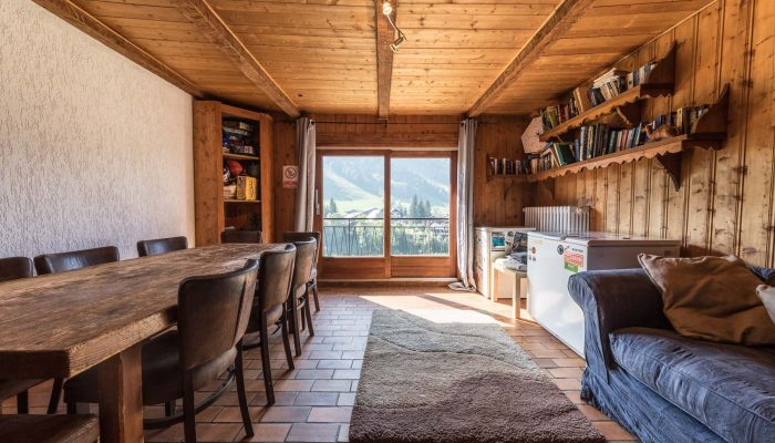 Chalet Tacot Dining Area